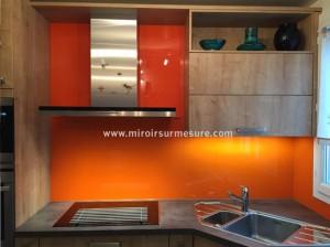 Crédence en verre laque orange