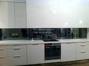 Credence de cuisine en miroir teinté gris