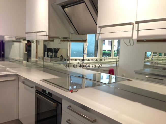Cr dence miroir sur mesure pour votre cuisine for Credence alu brosse sur mesure
