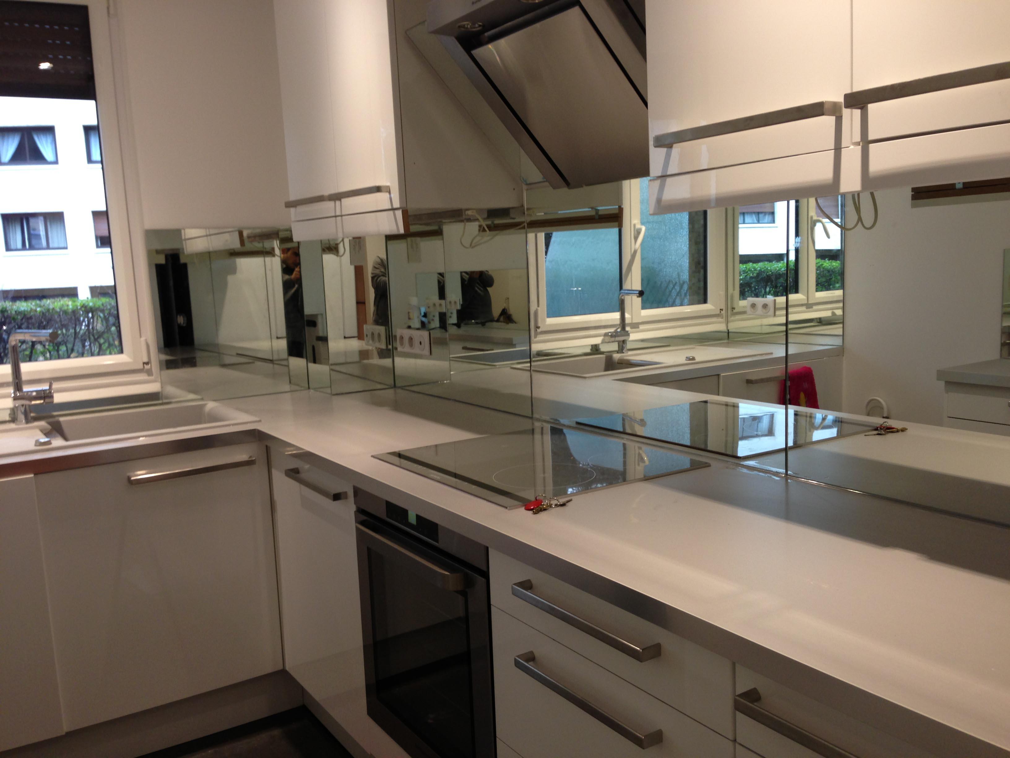 Cr dence miroir sur mesure pour votre cuisine - Credence cuisine sur mesure ...
