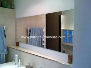 Miroir sur mesure de salle de bain posé suspendu
