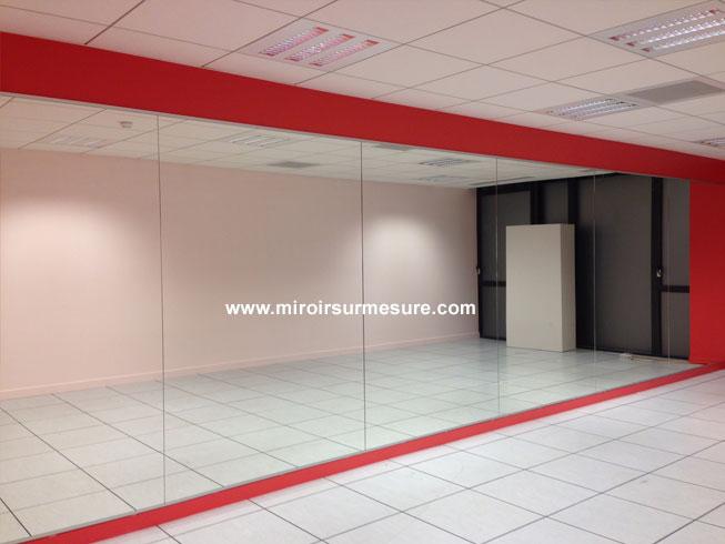 Mur miroir salle de danse 3 professionnel du miroir sur mesure verre sur mesure fabricant - Mur en miroir ...