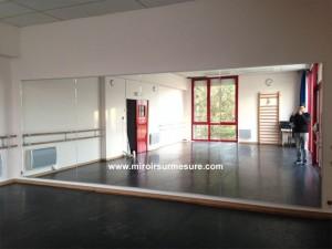Mur recouvert de miroir pour salle de danse, mur miroir école de danse
