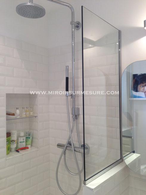 Pare douche fixe en verre trempé sur profilé chromé