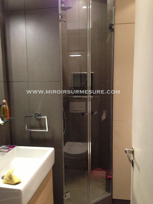 Double porte de douche en verre trempé anti-calcaire sur mesure