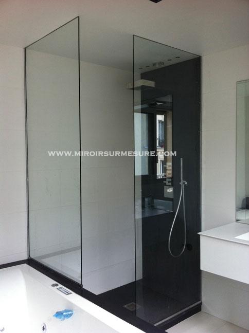 Paroi de douche fixe en verre extra clair sécurit posé sur profilé en U chromé