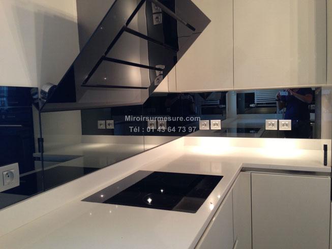 Cr dence miroir sur mesure pour votre cuisine for Miroir sur mesure paris